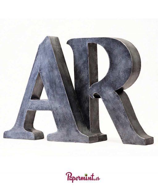 letras decorativas estilo industrial. en Papermint