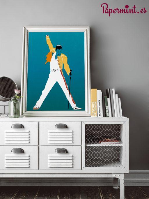 Decoración con póster de Freddie Mercury