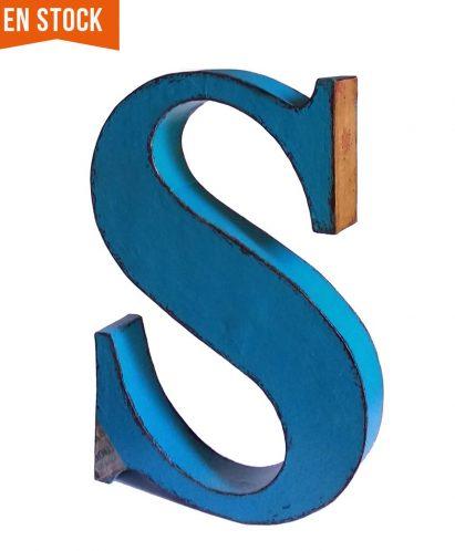 letra decapada azul turquesa